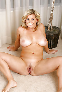 SEXY WOMEN - THEY COME IN ALL SHAPES & SIZES 148