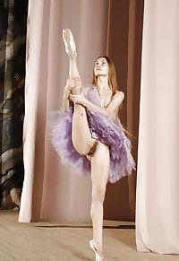 Nude Ballet Dancer 2
