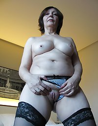 MATURE AND GRANNIES 88