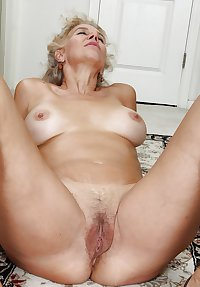 MATURE AND GRANNIES 113