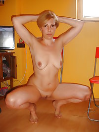 AMATEUR wife pantyhose panties bra home socks thong hairy