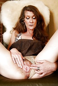 MATURE AND GRANNIES 41