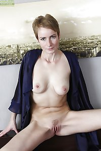 SEXY WOMEN - THEY COME IN ALL SHAPES & SIZES 79