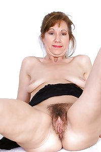 MILF & Mature Spreaders#5 by DarKKo
