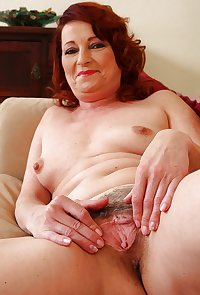MATURE AND GRANNIES 72