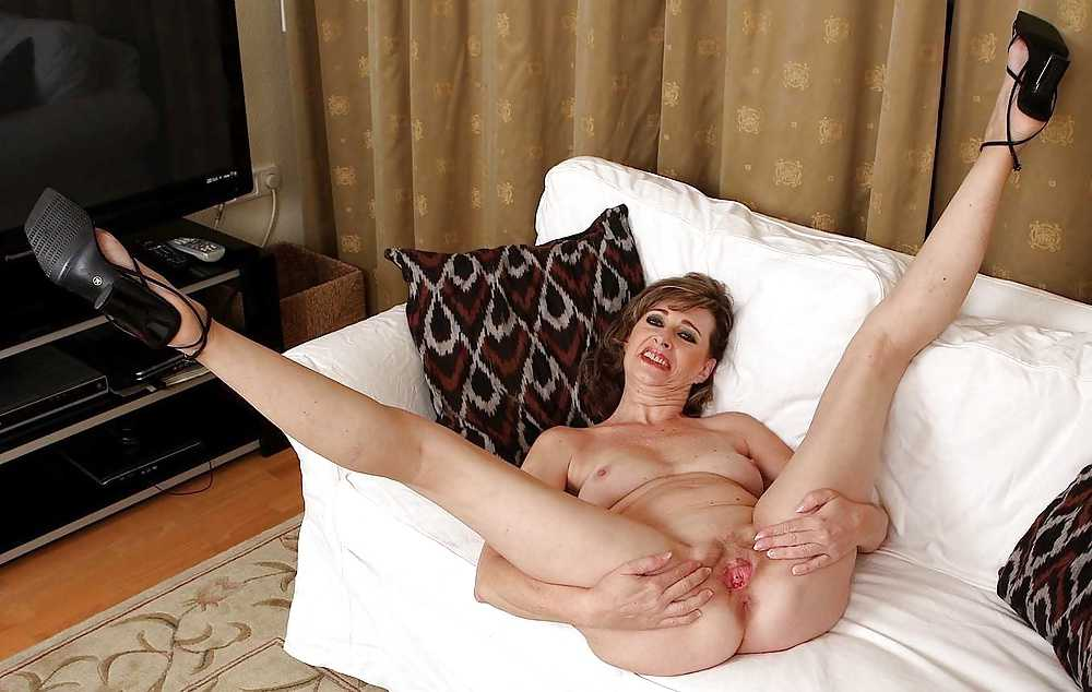 Spread Eagle Mature Sex Gal Hottystop 1