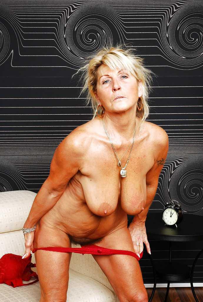 Free big tits porno pictures